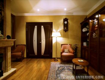 Неоднородный по цвету ламинат – как подобрать дверь