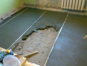 Как выровнять бетонный пол с помощью цементно-песчаной стяжки