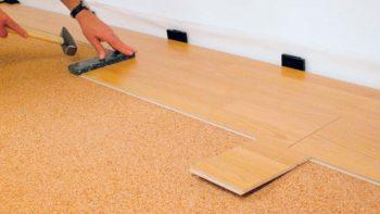 При монтаже главное не повредить поверхность покрытия