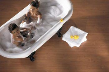 Благодаря водостойкости можно использовать в ванной комнате