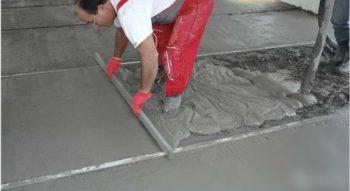 Заливка цементного раствора для стяжки
