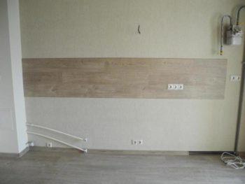 Фото готового кухонного фартука из ламината