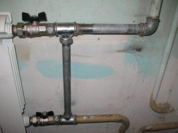 Установка стальной трубы-перемычки