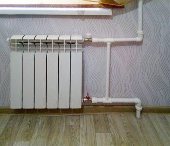 Радиаторы обвязываются по простой схеме