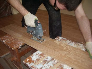 Распиливание ламинатных панелей