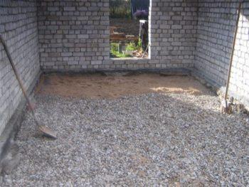 Подсыпка из песка и щебня