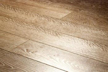 Панели с древесной фактурой дуба