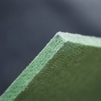 Хвойный материал для прокладочного слоя