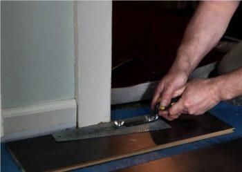 Подготовка дверной коробки к монтажу ламината