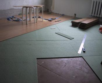 Нельзя использовать материал разной толщины в случае нехватки основного комплекта