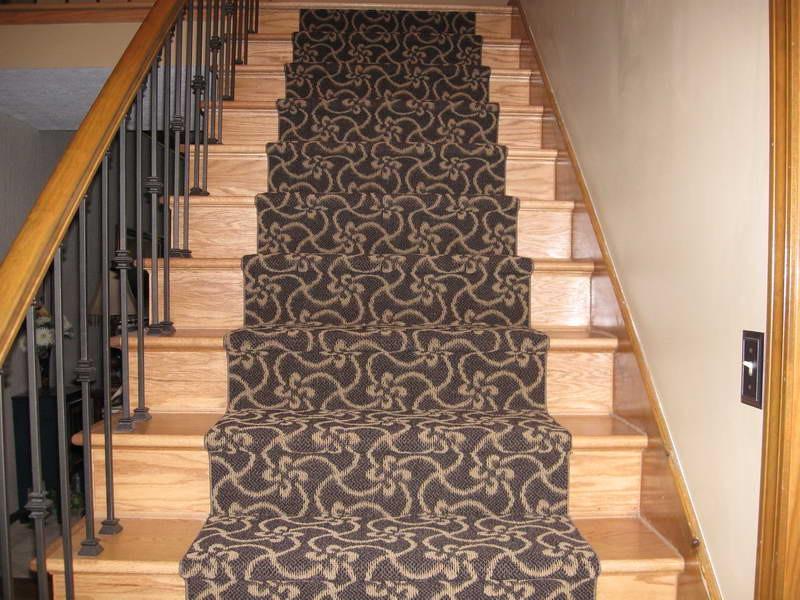 для какой лестницы понадобится более длинный ковер смотри рисунок рабочий стол фильмы