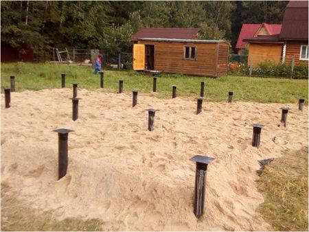 Сваи в песке