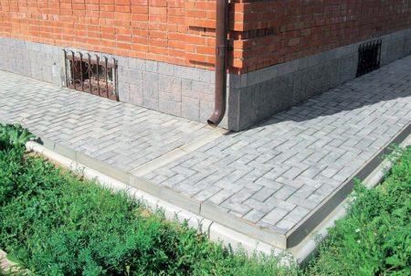 Отделка тротуарной плиткой